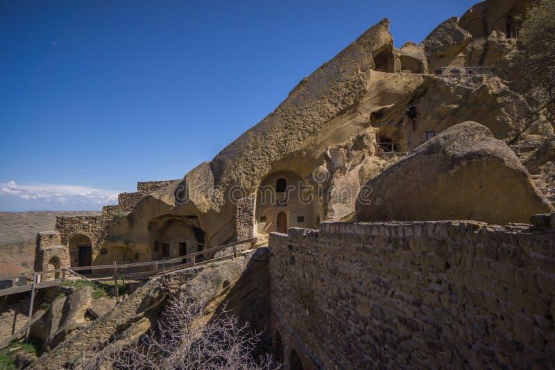 Casas da caverna das casas georgian da caverna fotografia de stock