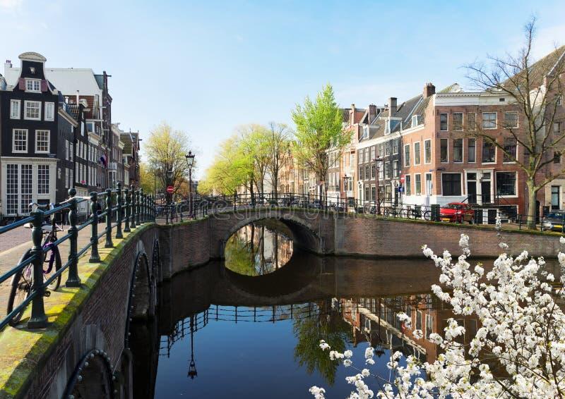Casas de Amsterdam, Países Bajos foto de archivo