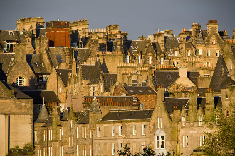Casas de Edimburgo no por do sol fotografia de stock royalty free