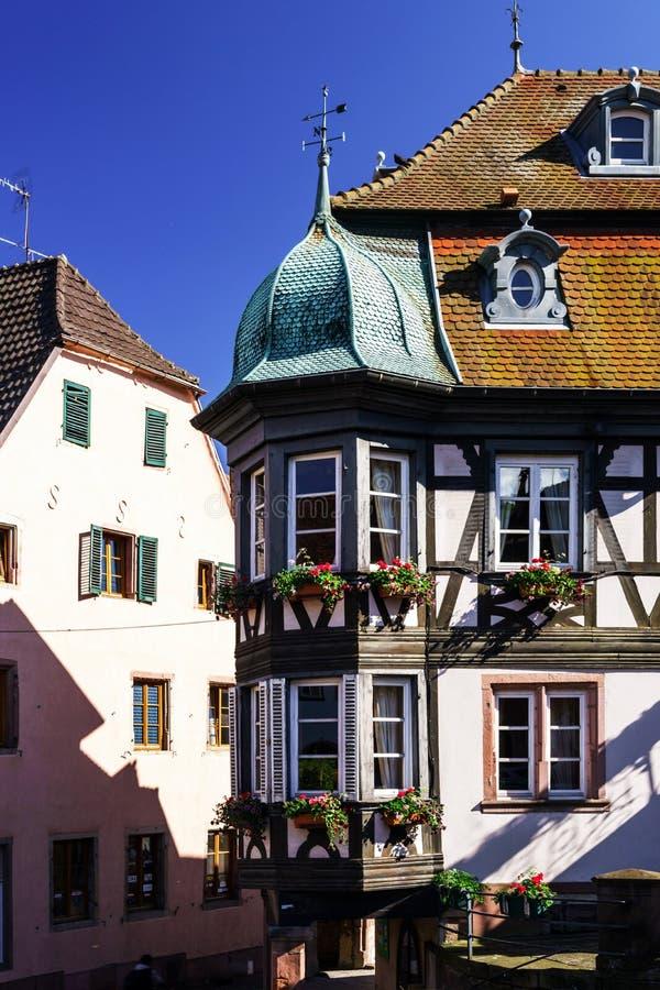 Casas de entramado de madera tradicionales en Alsacia foto de archivo