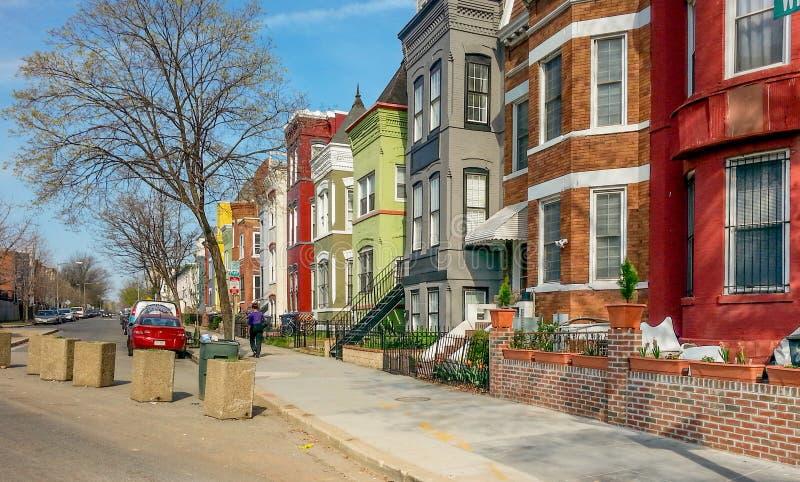 Casas de fileira do arco-íris do Washington DC fotografia de stock royalty free