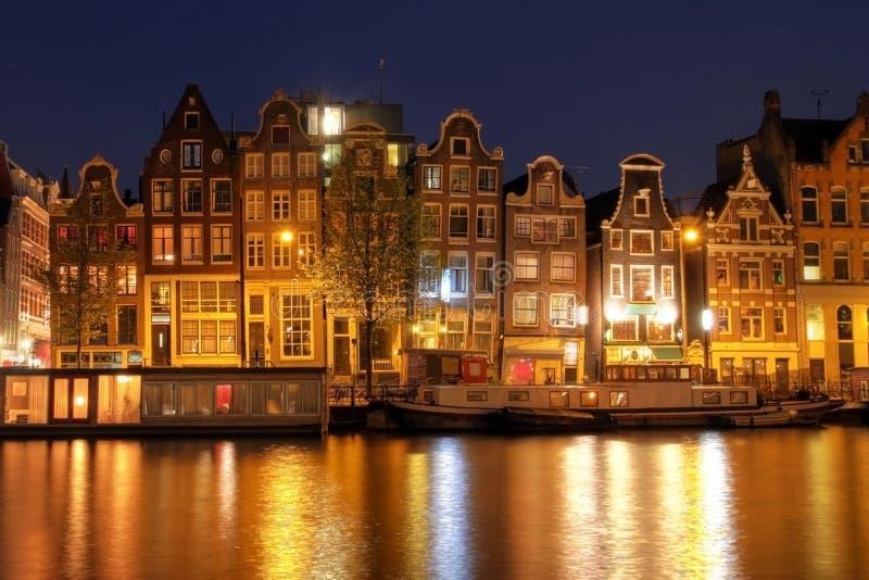 Casas de la línea de costa de Amsterdam, los Países Bajos foto de archivo