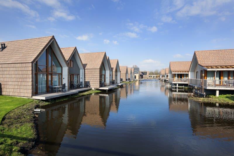 Casas de las vacaciones en Reeuwijk fotografía de archivo