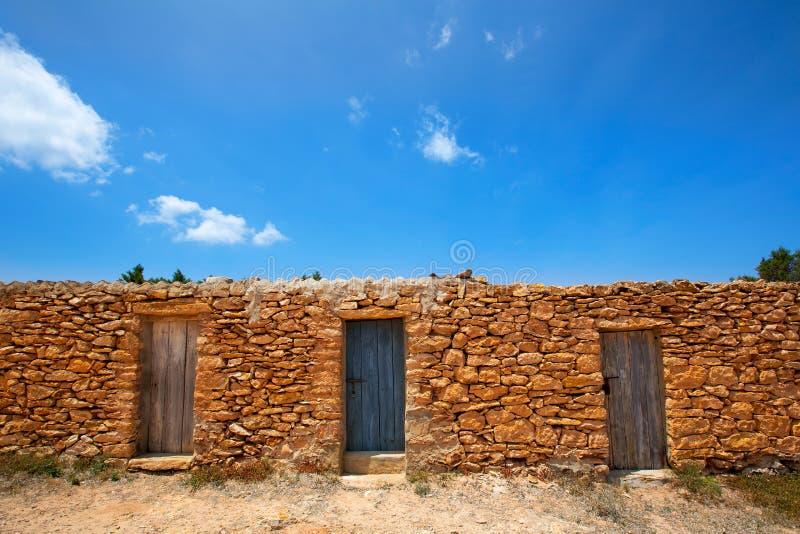 casas de los pescadores de la albailera de la playa de formentera cala saona