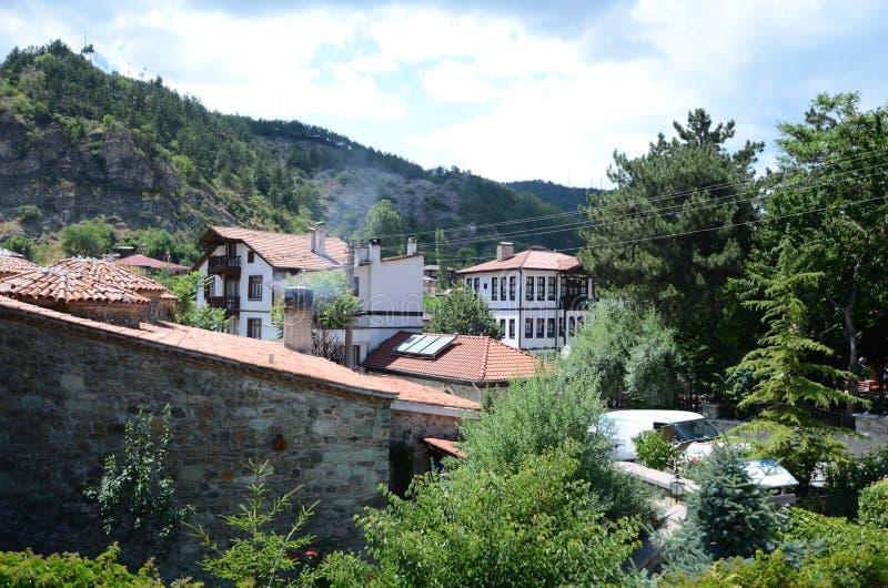 Casas de madeira brancas velhas históricas de Mudurnu em Turquia fotografia de stock royalty free