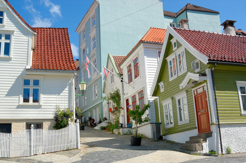 Casas de madeira em Bergen Noruega fotografia de stock