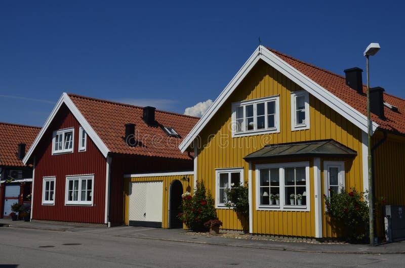 Casas de madeira tradicionais em Karlskrona, Suécia foto de stock royalty free