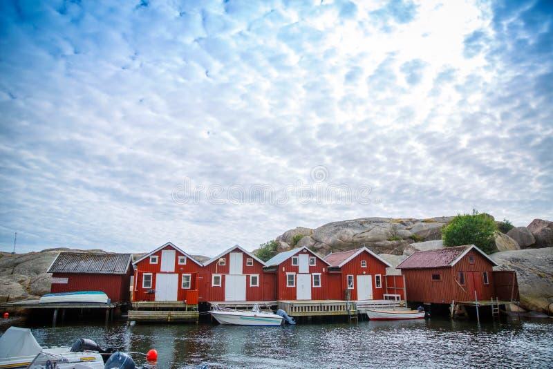 Casas de madeira vermelhas foto de stock royalty free