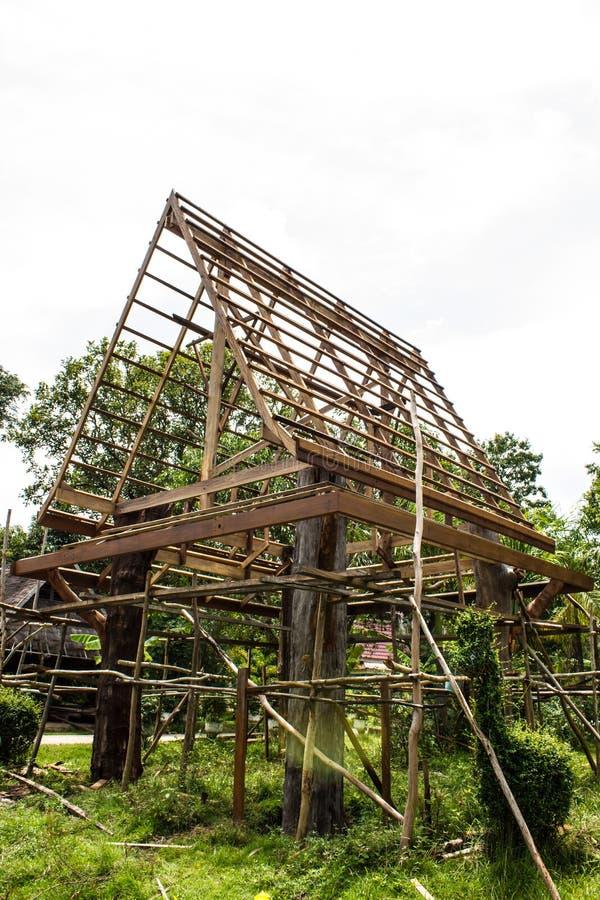 Casas De Marco De Madera Tailandia. Foto de archivo - Imagen de ...