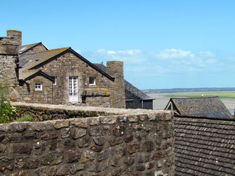 Casas de Mont Saint Michel fotografía de archivo libre de regalías
