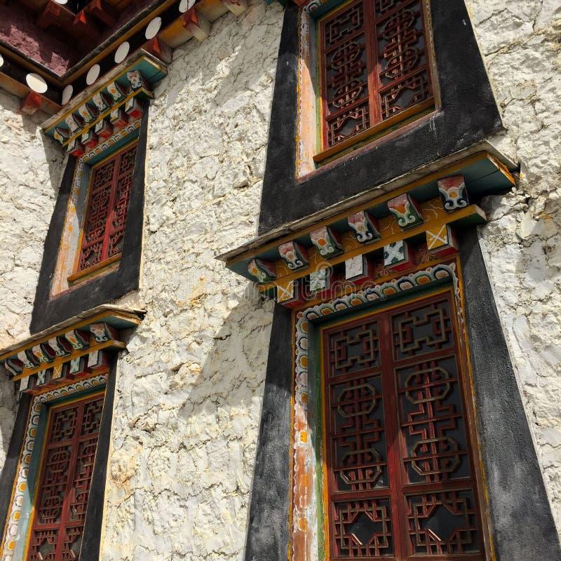 Casas de moradia tibetanas do Local-estilo fotos de stock