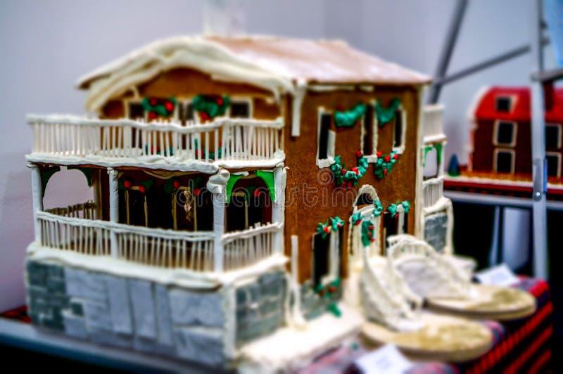 Casas de pão-de-espécie extravagantes em Liberty Place fotografia de stock