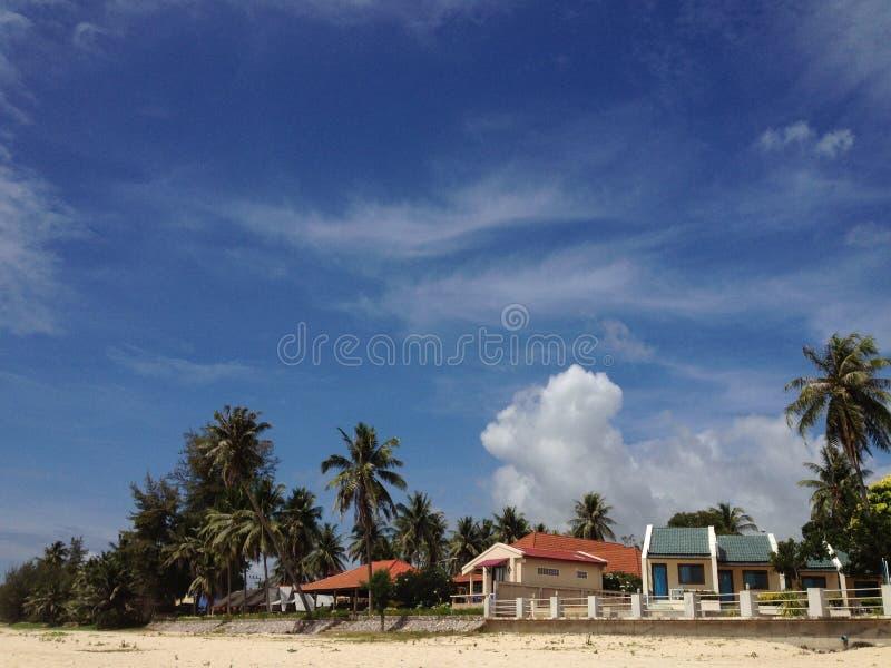Casas de planta baja de la playa imagenes de archivo