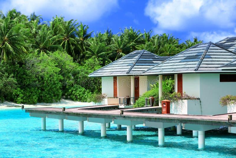 Casas de praia modernas em pilhas imagens de stock royalty free