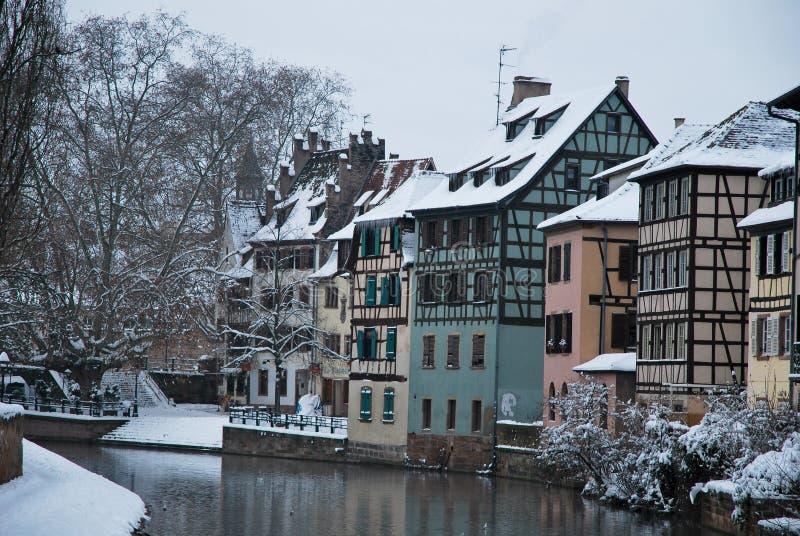 Casas de Strasbourg durante o inverno fotografia de stock royalty free