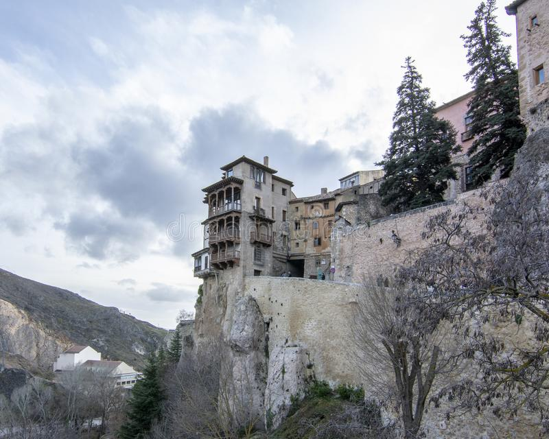 Casas de suspensão na Espanha de Cuenca fotos de stock