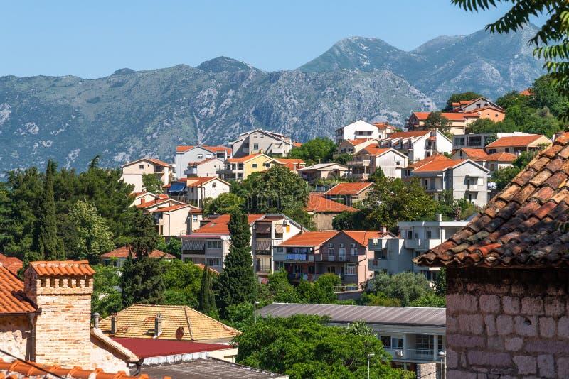 Casas de una ciudad viejas en Kotor, Montenegro imagen de archivo libre de regalías
