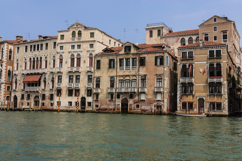 Casas de Veneza no canal do grnad, Itália fotos de stock