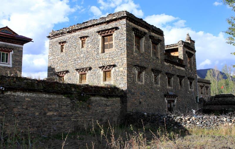 Casas de vivienda tibetanas del estilo foto de archivo