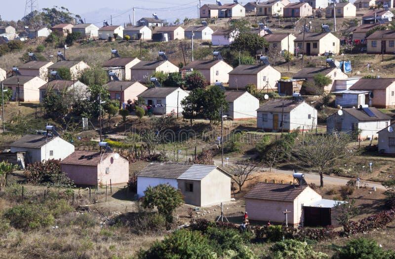 Casas del municipio del bajo costo en Durban Suráfrica imágenes de archivo libres de regalías