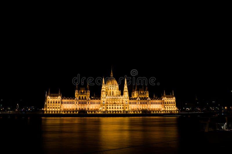 Casas del parlamento en Budapest imagen de archivo