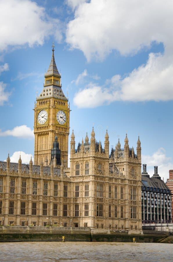 Casas del parlamento y de Big Ben británicos imágenes de archivo libres de regalías