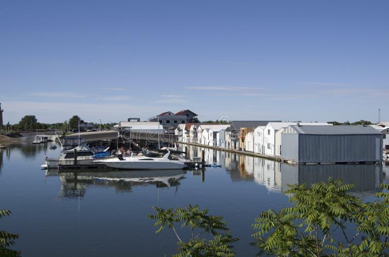 Casas del río de la isla del trébol, el río Columbia fotografía de archivo