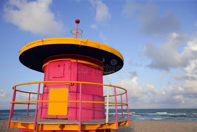 Casas del salvavidas en Miami Beach imagen de archivo libre de regalías
