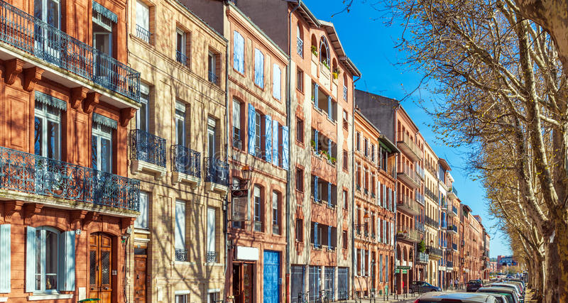 Casas del vintage de los ladrillos rojos, Toulouse imagen de archivo