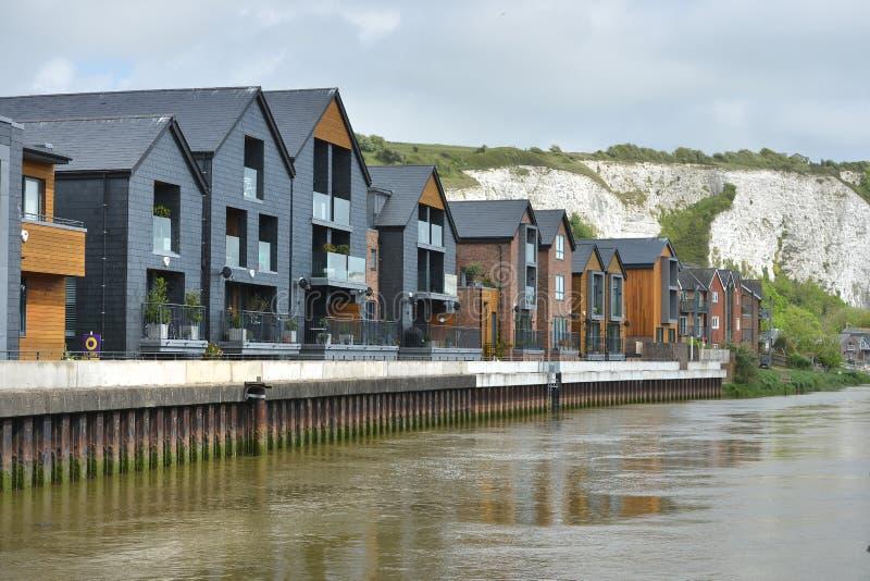 Casas do beira-rio imagens de stock royalty free