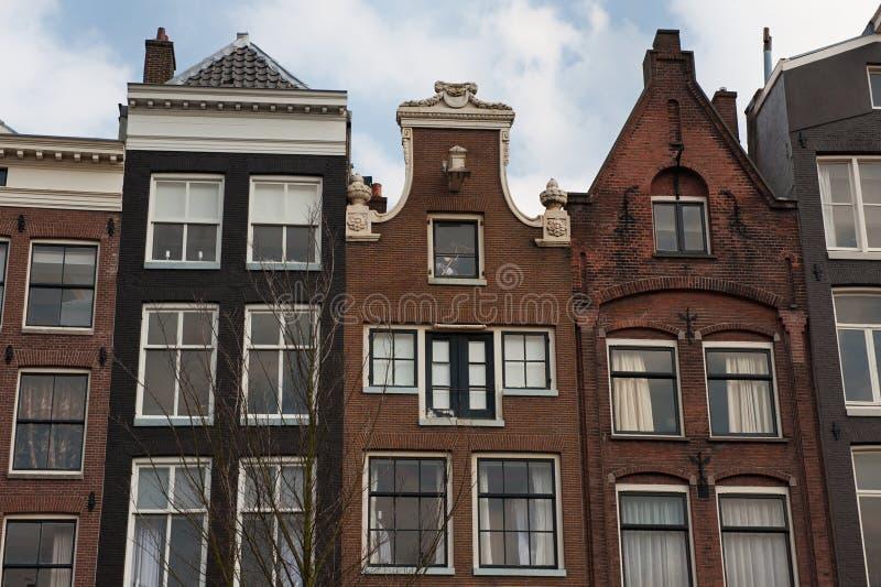Casas do canal em Amsterdão foto de stock
