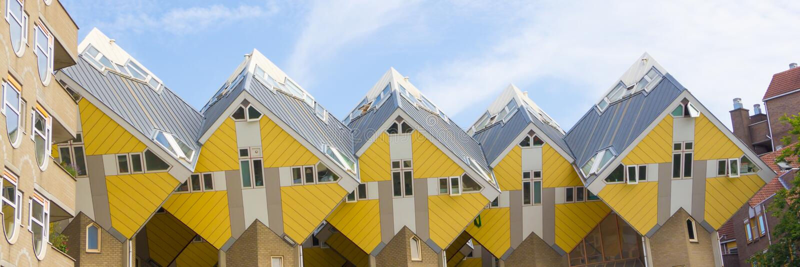 Casas do cubo na Holanda de Rotterdam imagem de stock