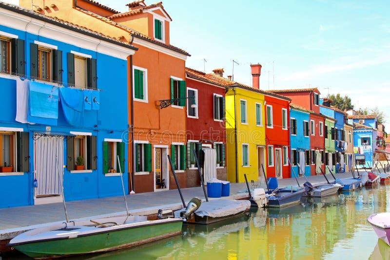 Casas e barcos fotografia de stock royalty free