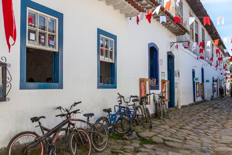 Casas e ruas de Paraty, Brasil fotografia de stock royalty free