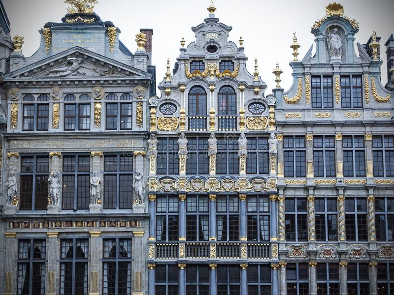 Casas em Grand Place, Bruxelas da guilda, Bélgica imagens de stock