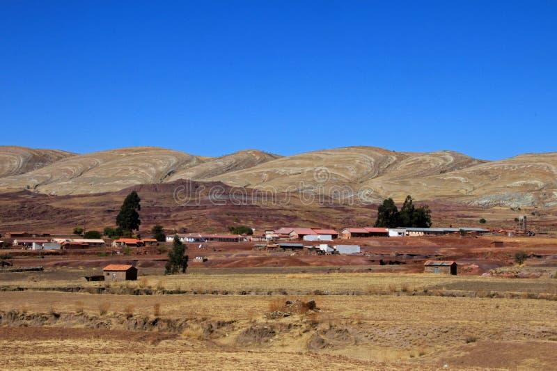 Casas en el pueblo, volcán Maragua, Bolivia del cráter imágenes de archivo libres de regalías