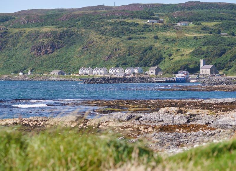 Casas en la isla de Rathlin, Antrim, Irlanda del Norte imagenes de archivo