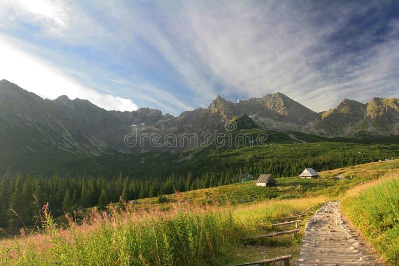 Casas en la montaña fotos de archivo libres de regalías