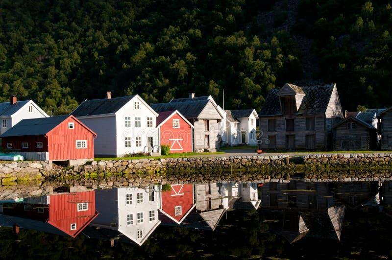 Casas en Laerdal foto de archivo