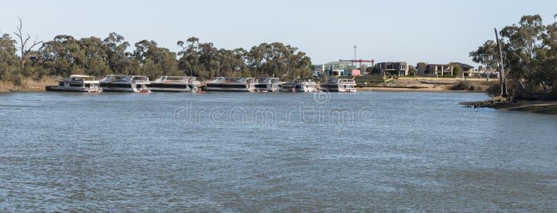 Casas flutuantes, Murray River, Mildura, Austrália imagem de stock