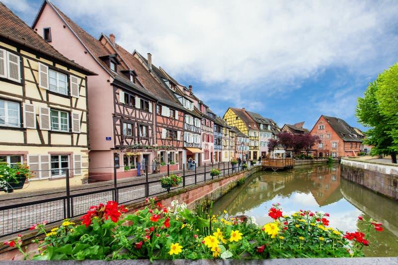 Casas francesas tradicionais coloridas em pequeno Venise, Colmar, França imagem de stock royalty free