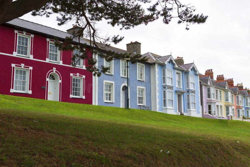 Casas Georgian coloridas em Gales, Reino Unido fotografia de stock royalty free