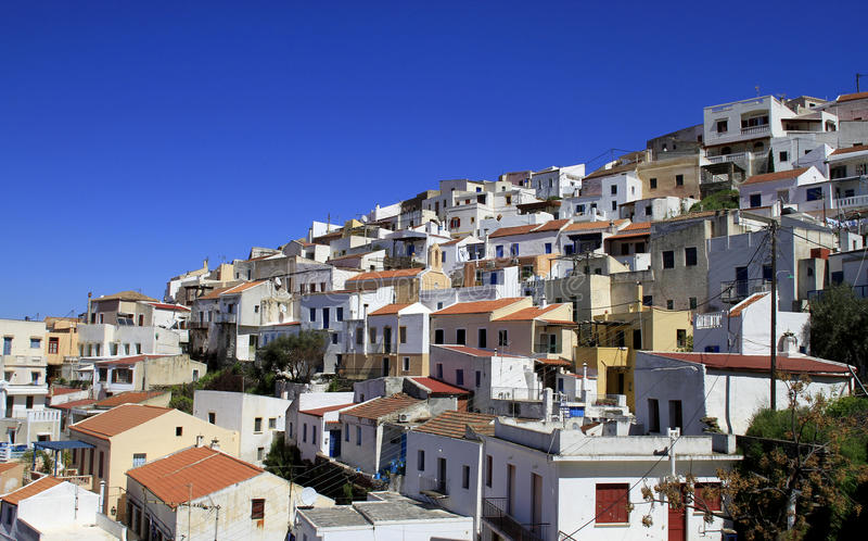 Casas gregas em Ioulis, capital do console de Kea foto de stock royalty free