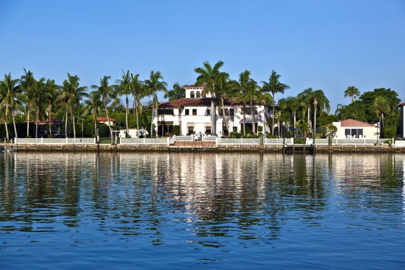 Casas hermosas en Miami del sur fotografía de archivo