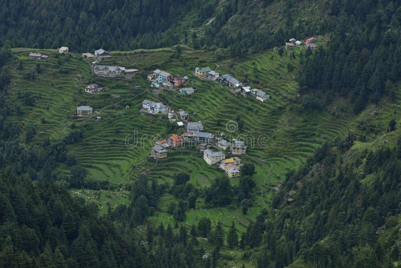 Casas Himalaias em Hilly Range foto de stock royalty free