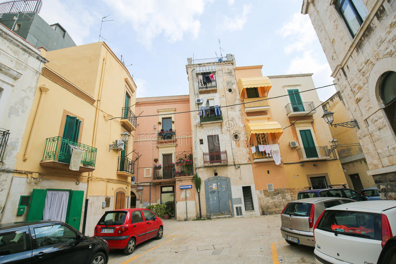 Casas históricas en el centro de Bari, Italia foto de archivo libre de regalías