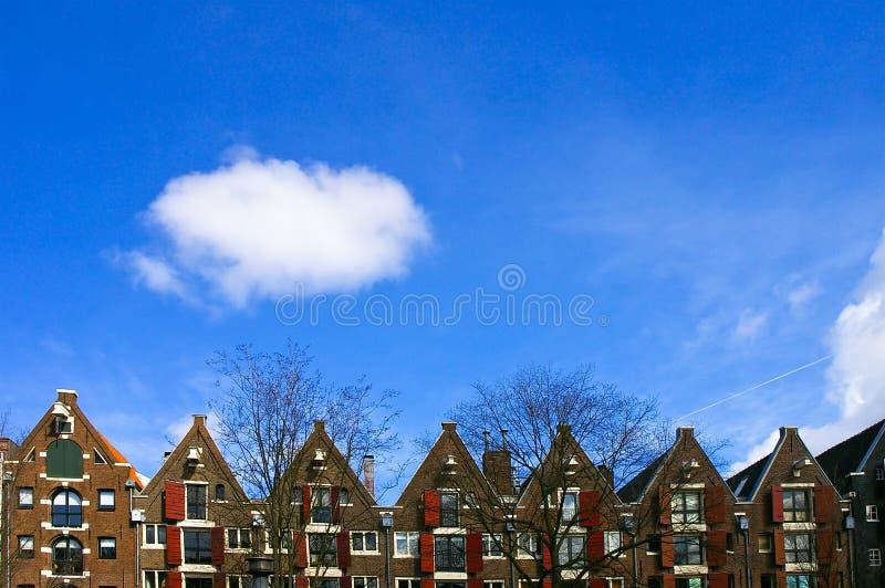 Casas holandesas ao longo do canal imagens de stock