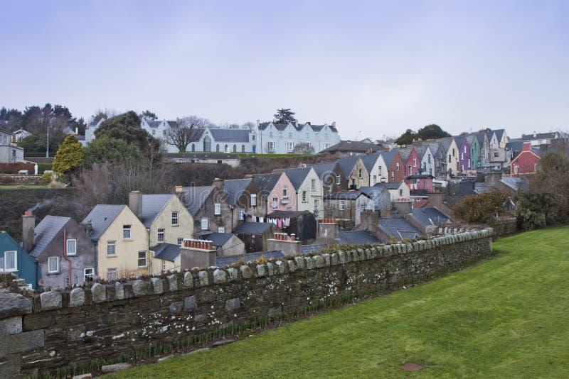 Casas irlandesas en Cobh, corcho del condado, Irlanda. foto de archivo libre de regalías
