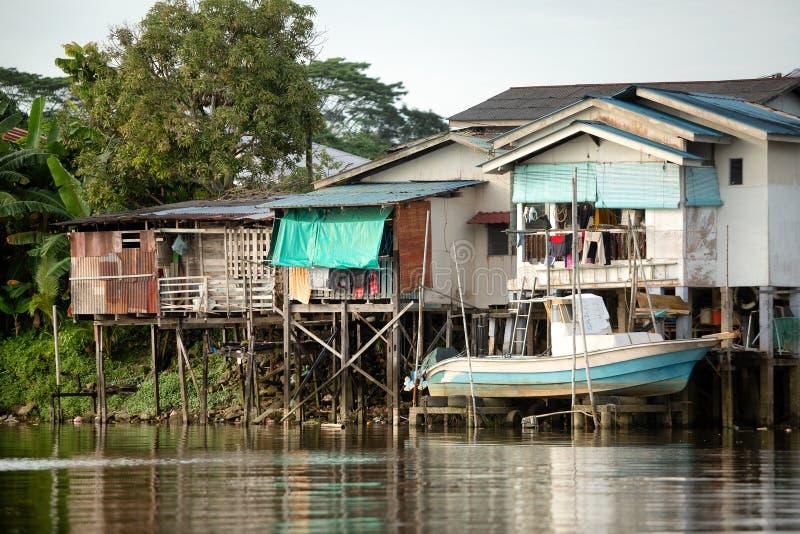 Casas malayas de Kampung en Kuching imágenes de archivo libres de regalías