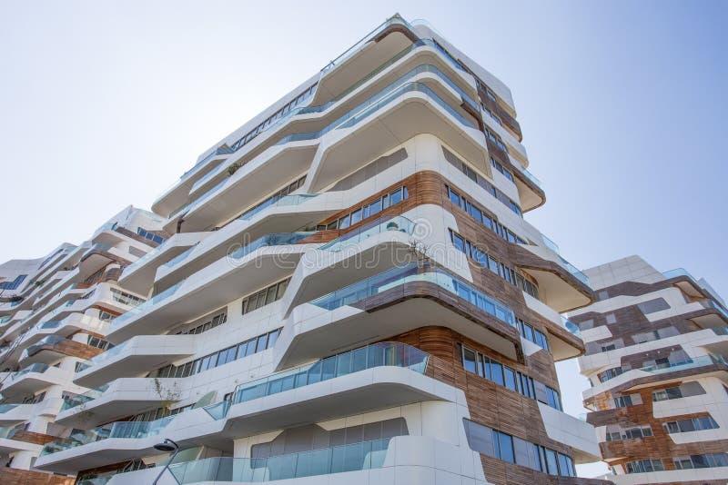 Casas modernas novas da construção residencial do negócio do ` da vida urbana do ` e do distrito residencial, ` de Tre Torri do ` foto de stock royalty free